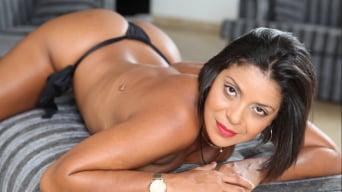 Ana Luz in 'Curvy Asses 3'