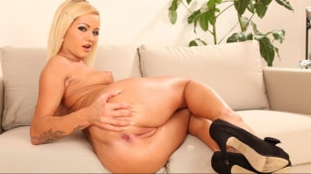 Sunshine in 'Anal Blondes'